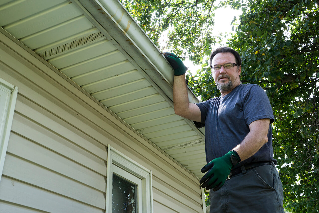 Fall is Here: Learn How to Clean Gutters Safely